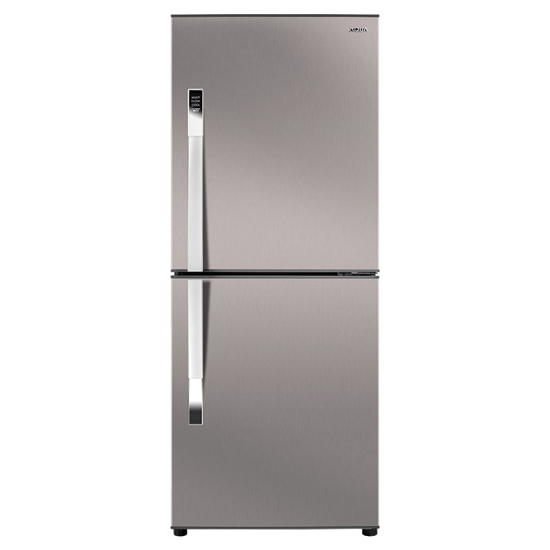 Tủ lạnh thiết kế hiện đại ngăn lạnh trên tiện lợi trong việc lấy thực phẩm.