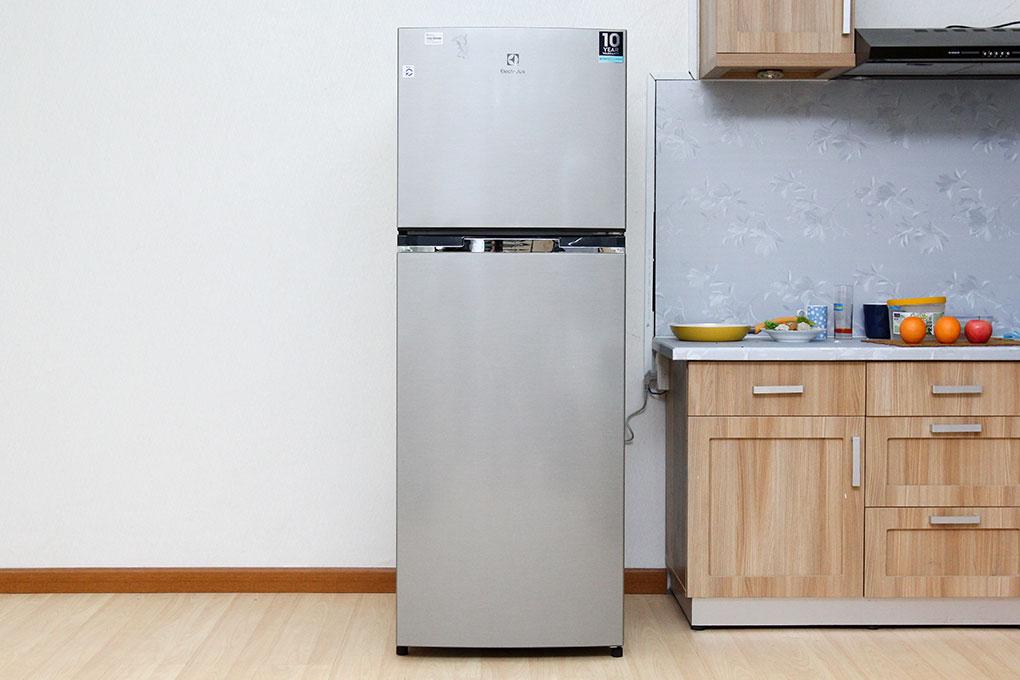 Tủ lạnh Electrolux Inverter 318 lít ETB3200MG hình 3