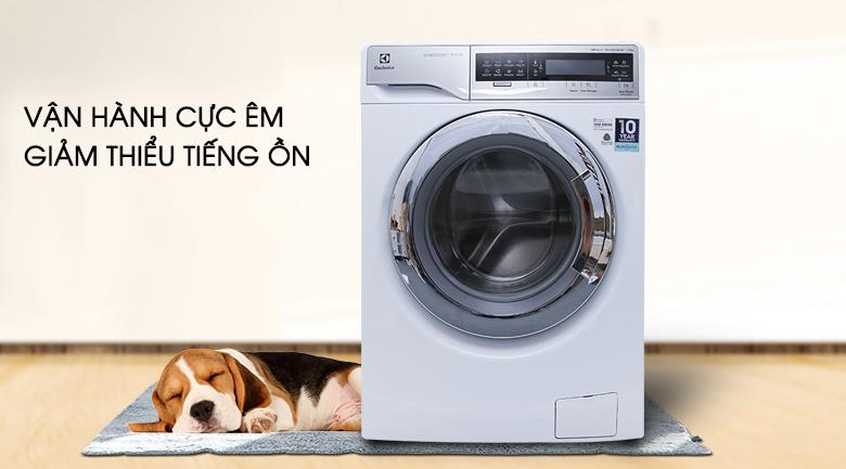 Vận hành cực êm giảm thiểu tiếng ồn - Máy giặt sấy Electrolux inverter 11 kg EWW14113