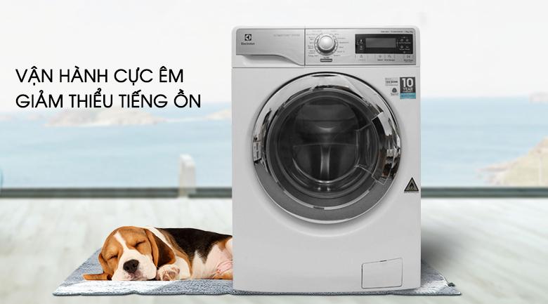 Vận hành cực êm giảm thiểu tiếng ồn - Máy giặt sấy Electrolux inverter 10 kg EWW14023