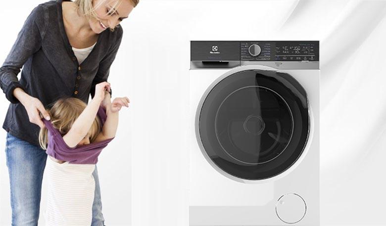 Add Cloths - Máy giặt sấy Electrolux Inverter 8 kg EWW8023AEWA