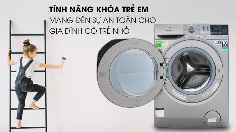Máy giặt Electrolux EWF8024ADSA - Giữ xa tầm tay trẻ em với công nghệ khóa an toàn