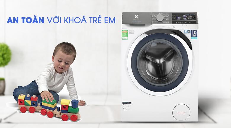 Máy giặt Electrolux Inverter 10 kg EWF1023BEWA-An toàn với tính năng khóa trẻ em