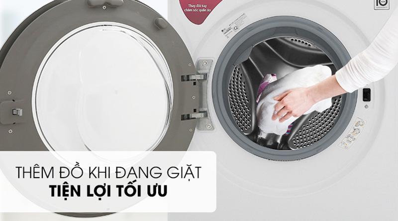 Máy giặt LG Inverter 9 kg FV1409S4W-Tiện lợi khi thêm đồ giặt và nước xả với cửa phụ Add Item