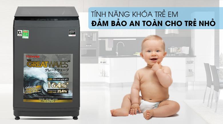 Máy giặt Toshiba Inverter 10,5 kg AW-DUK1150HV(MG) - Tránh sự nghịch phá trẻ nhỏ với chức năng khóa từ an toàn