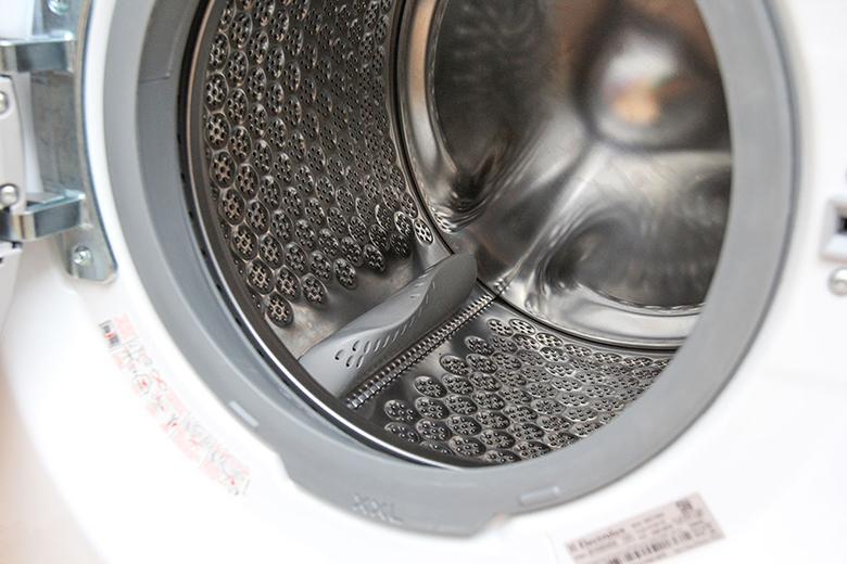 Lồng giặt máy giặt Electrolux EWF10932 được làm từ thép cao cấp