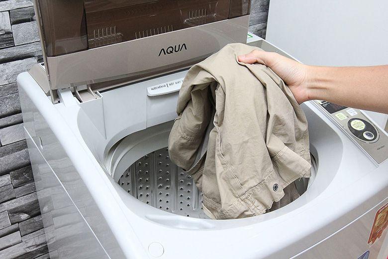 Máy giặt có cửa lồng giặt rộng