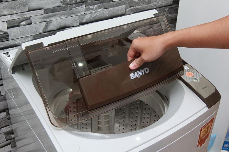 Cửa lồng giặt lớn vô cùng tiện lợi