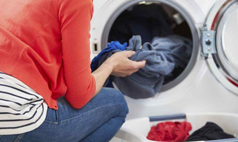 Cửa lồng giặt rộng, dễ thao tác