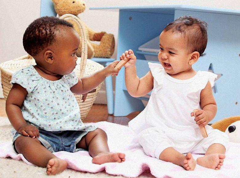 Yên tâm khi trẻ chơi đùa với Chế độ khóa an toàn trẻ em
