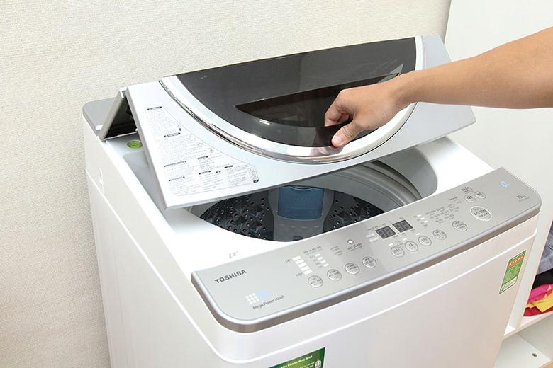 Máy giặt lồng đứng cửa trên sang trọng
