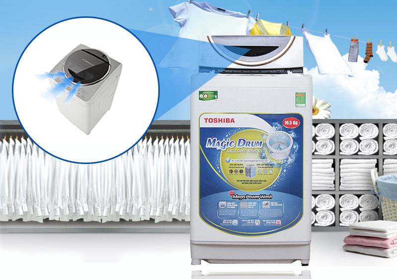 Máy giặt Toshiba ME1150GV(WK) sở hữu khe hút khí vòng cung, nâng cao khả năng vắt của máy giặt lên với thời gian rút ngắn nhưng vắt cực kỳ ráo nước