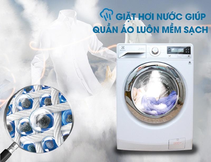 Với công nghệ giặt hơi nước, máy giặt Electrolux EWF12022 sẽ vừa làm mềm vải, vừa tiêu diệt những vi khuẩn gây hại