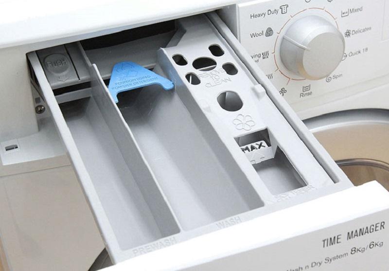 Ngăn chứa chất giặt tẩy của máy giặt sấy Electrolux EWW12842 tiện ích