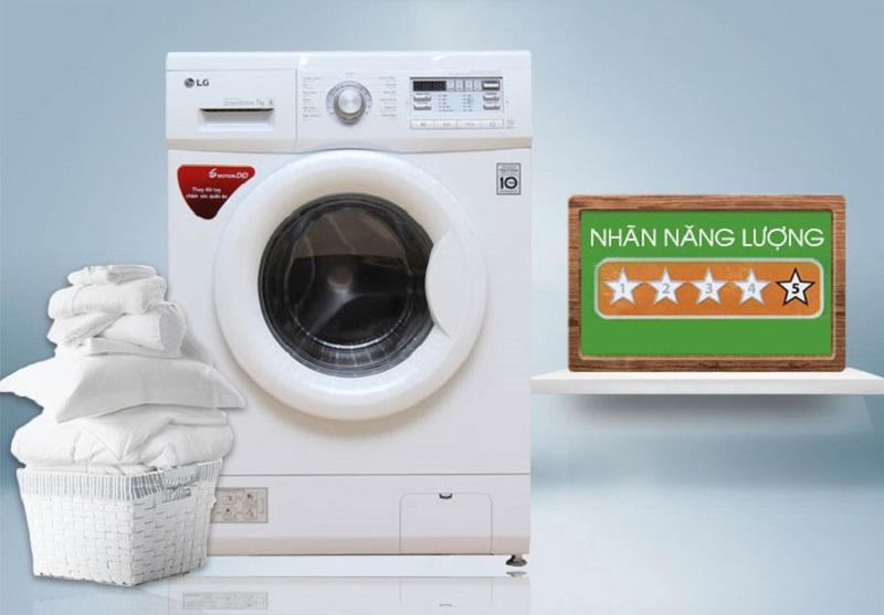 Cộng với công nghệ Inverter, máy giặt LG F1407NMPW sẽ đem lại khả năng tiết kiệm điện và nước cao cho gia đình bạn