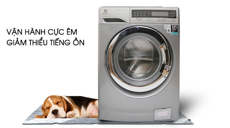 Vận hành cực êm giảm thiểu tiếng ồn - Máy giặt Electrolux Inverter 11 kg EWF14113 S
