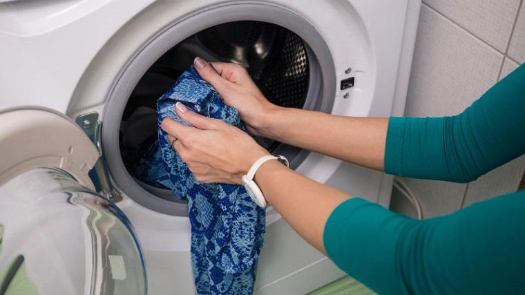 Có thể thêm quần áo trong lúc giặt