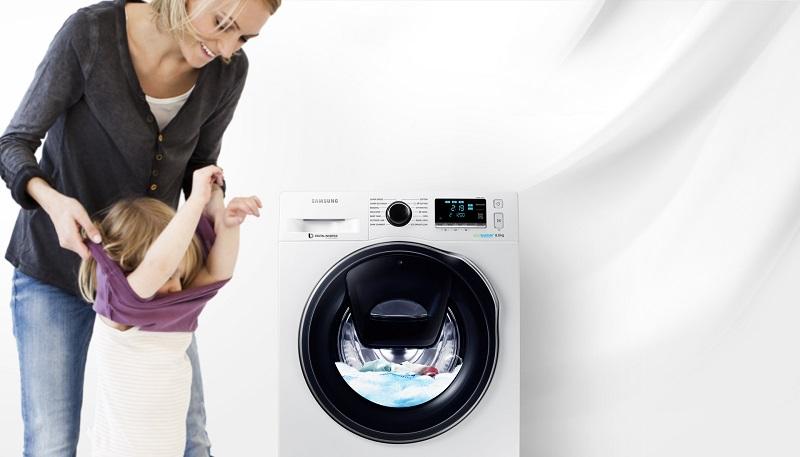 dễ dàng bỏ thêm quần áo vào mẻ giặt