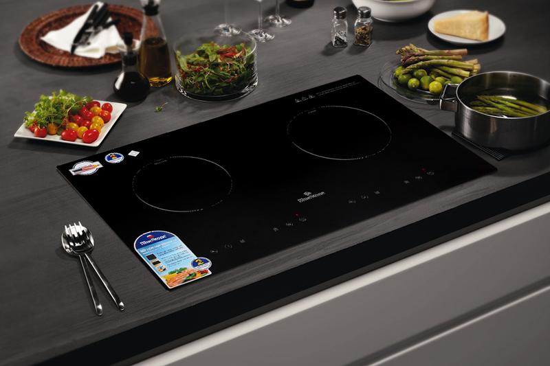 Thiết kế sang trọng - Bếp điện từ hồng ngoại Bluestone ICB-6811