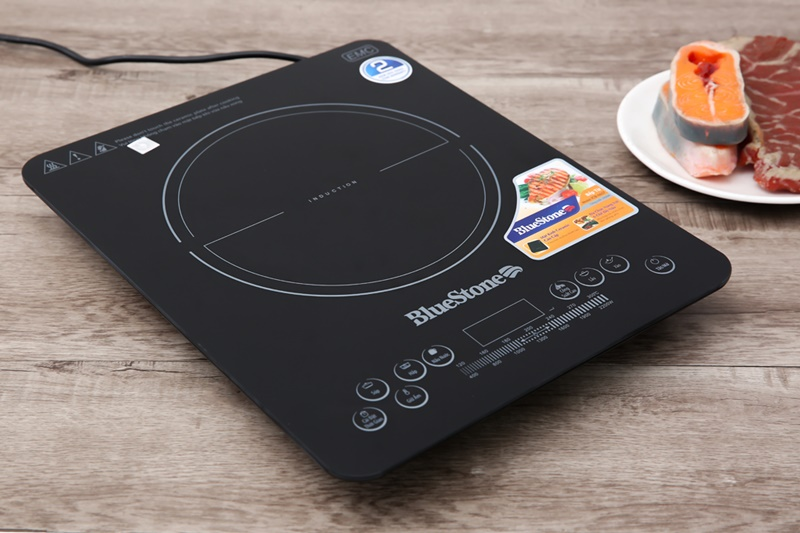 Kiểu bếp từ đơn nhỏ gọn, công suất 2200 W - Bếp từ Bluestone ICB-6657