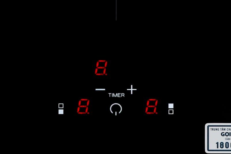 Bảng điều khiển cảm ứng nhạy bén - Bếp từ đôi Malloca MDI 302