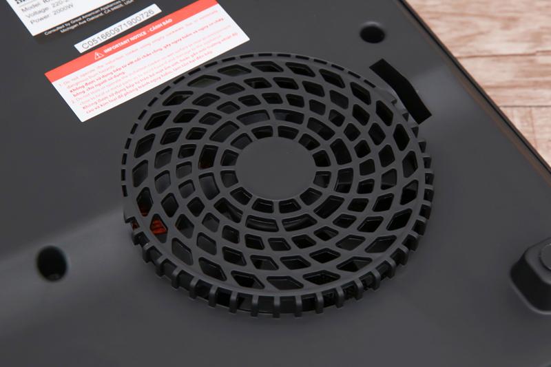 Nấu an toàn - Bếp từ Bluestone ICB-6609