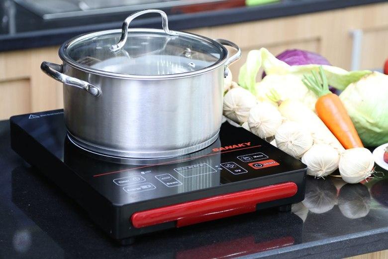 Bếp hồng ngoại Sanaky AT-2101HG thiết kế nhỏ gọn