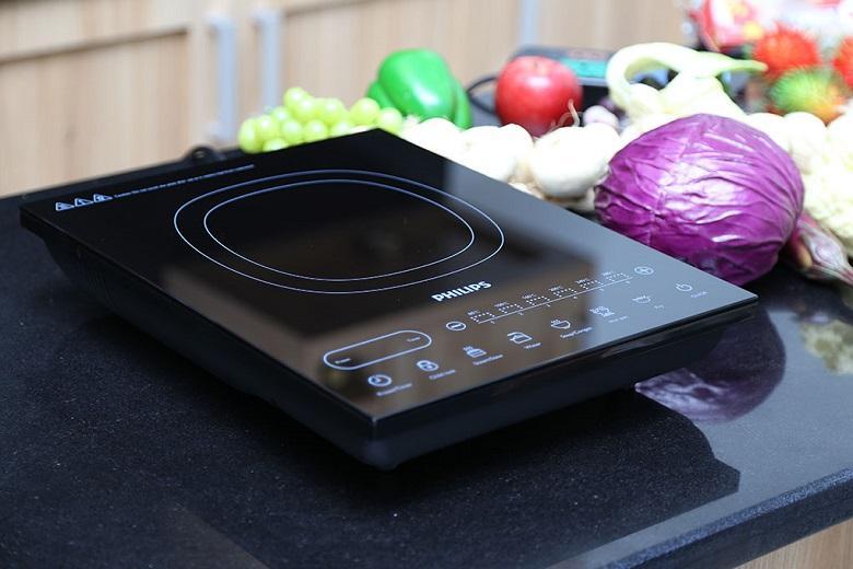 Thiết kế sang trọng và đẹp mắt với chất liệu mặt bếp bằng kính chịu nhiệt cao cấp