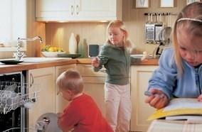 Đảm bảo an toàn với chức năng Khóa tránh trường hợp trẻ em nghịch phá
