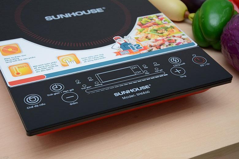 6 chế độ nấu thông minh được điều khiển dễ dàng bằng bảng điều khiển cảm ứng hiện đại