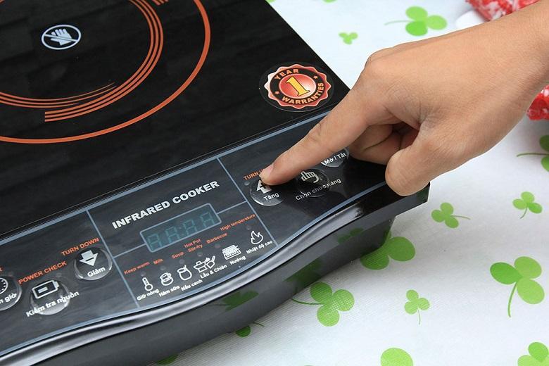 Nút tăng chỉnh nhiệt độ cho bạn điều chỉnh mức nhiệt độ phù hợp với từng mục đích khác nhau