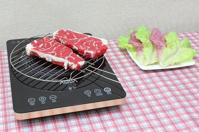 Nướng thức ăn trên mặt bếp dễ dàng và không có khói