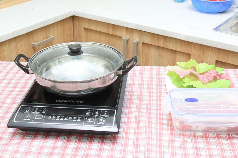 Tặng kèm nồi nấu lẩu chuyên dụng cho bếp từ