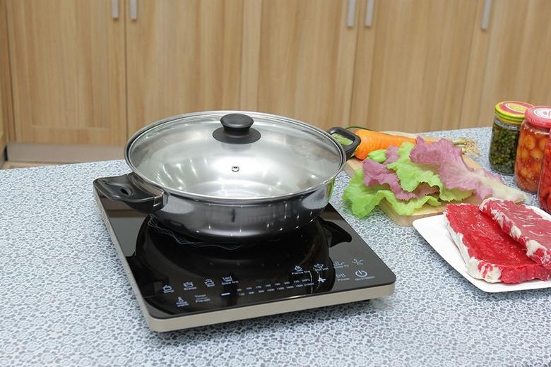 Bếp tặng kèm nồi nấu inox chuyên dụng