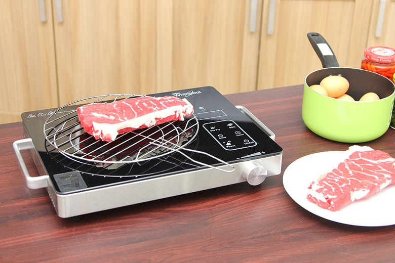 Nướng thực phẩm trực tiếp trên mặt bếp