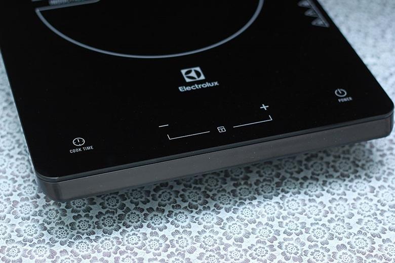 Bảng điều khiển cảm ứng dễ sử dụng