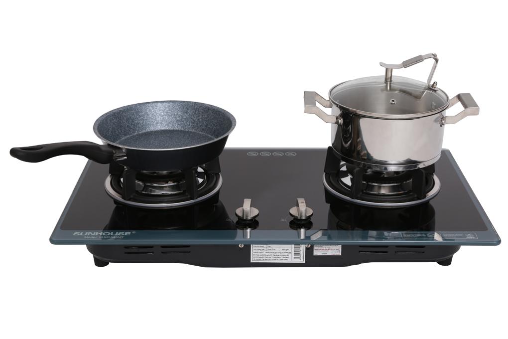 Màu đen, viền xanh sang trọng, thanh lịch, có thể lắp đặt âm tủ - Bếp gas âm Sunhouse SHB5548MT