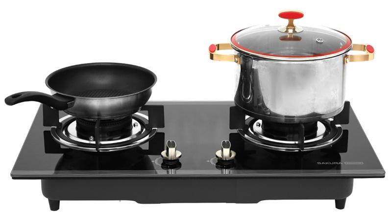 Vỏ bếp và mặt kính màu đen sang trọng - Bếp gas âm Sakura SG-2530GB