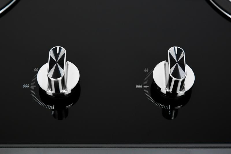 Điều khiển núm xoay dễ dùng - Bếp gas âm Sakura SG-2525GB