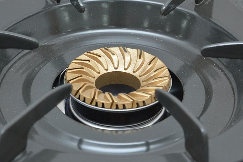 Bếp sử dụng tiết kiệm gas với lượng gas tiêu thụ 0.38kg/h