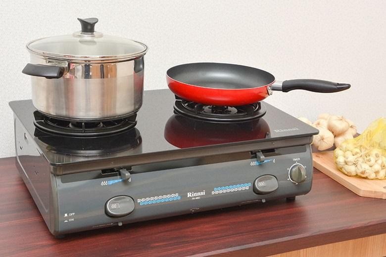 Mặt bếp bằng kính cường lực