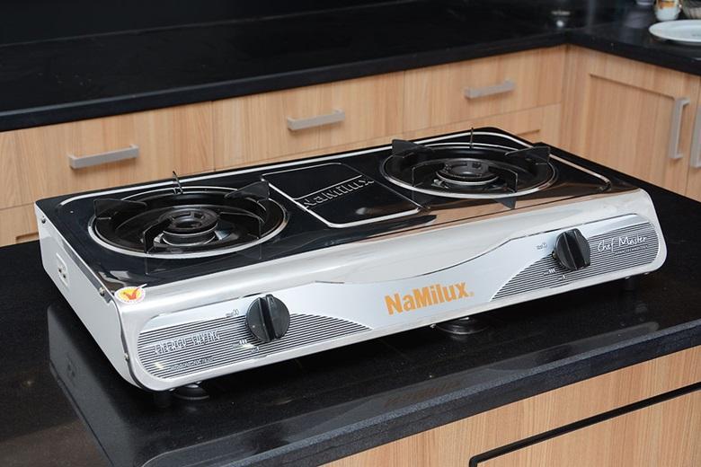 Mặt bếp bằng chất liệu thép không rỉ