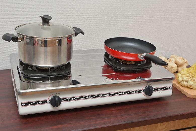 Mặt bếp bằng thép không rỉ chống bám bẩn và dễ vệ sinh
