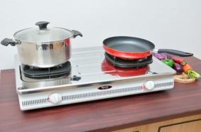 Bếp có thiết kế đơn giản, sang trọng phù hợp với nhiều gian bếp