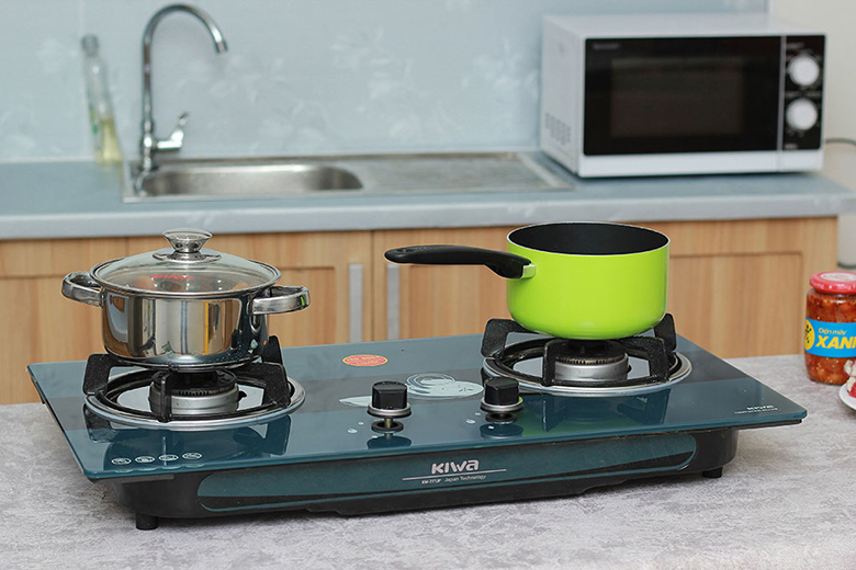 Kiểu dáng sang trọng cho gian bếp hiện đại.