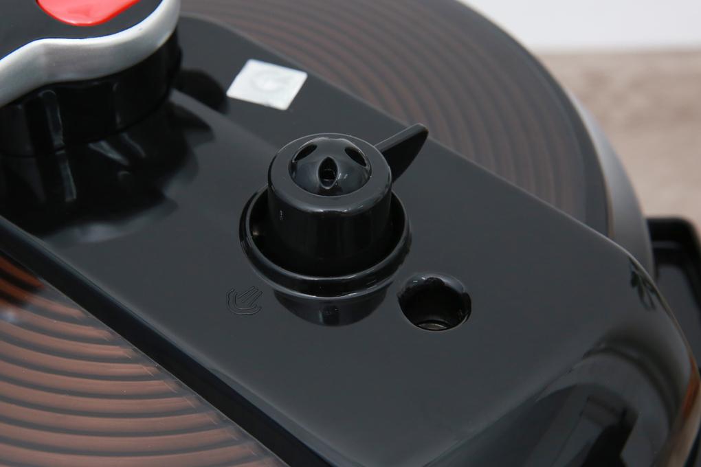Nồi trang bị nút xả áp nhanh, có van xả áp tự động - Nồi áp suất điện Bluestone PCB-5753 5 lít