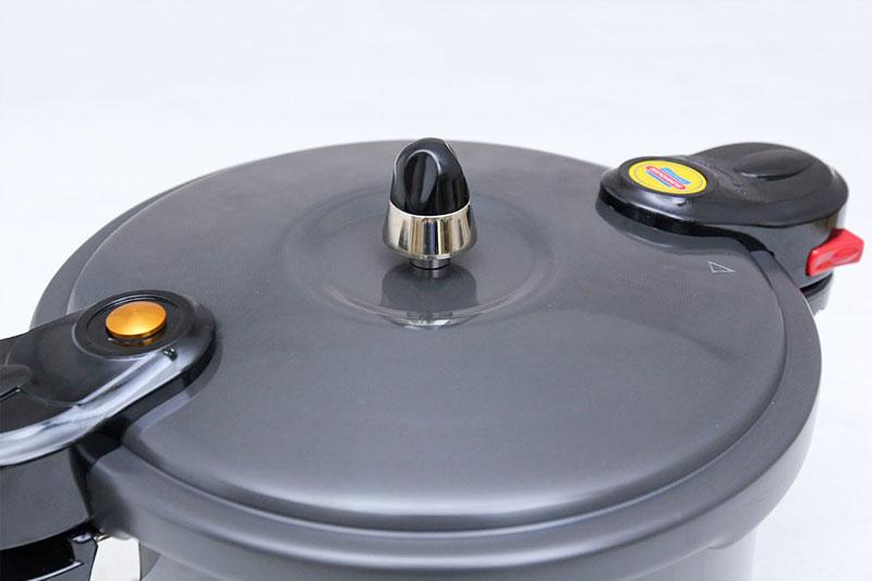 Nồi áp suất cơ Sunhouse LC600 6 lít