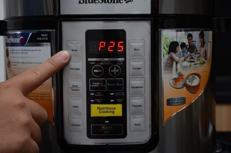 Nồi áp suất điện Bluestone PCB-5757D 5 lít
