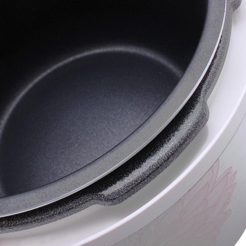 Lòng nồi chống dính, được oxi hóa cứng, bền bỉ, dễ lau chùi