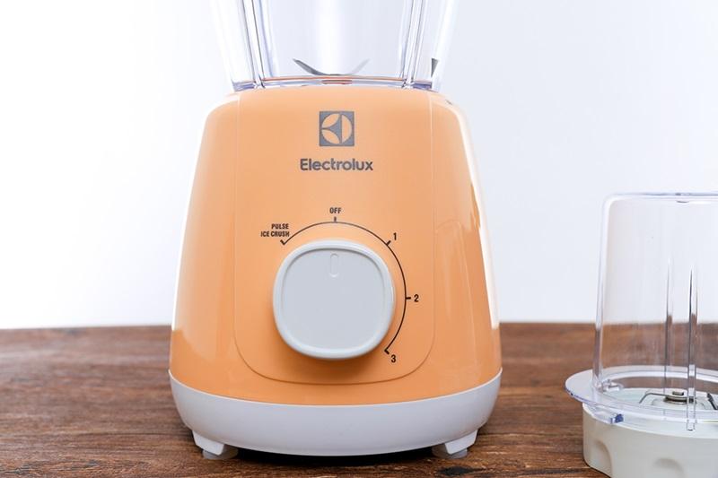 Máy xay sinh tố Electrolux EBR3526